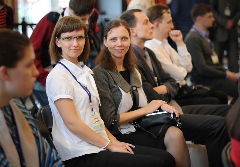 Ульяновск, бизнес конференция, я с сестрой, 2011