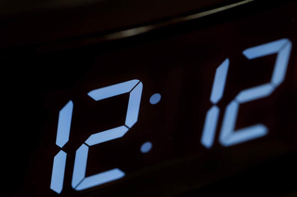 числа на часах
